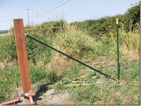 Using Wedge Loc Brackets For Fence Braces The Collie